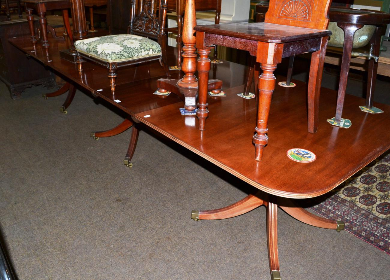 Tennants auctioneers a georgian style triple pillar for Pillar dining table