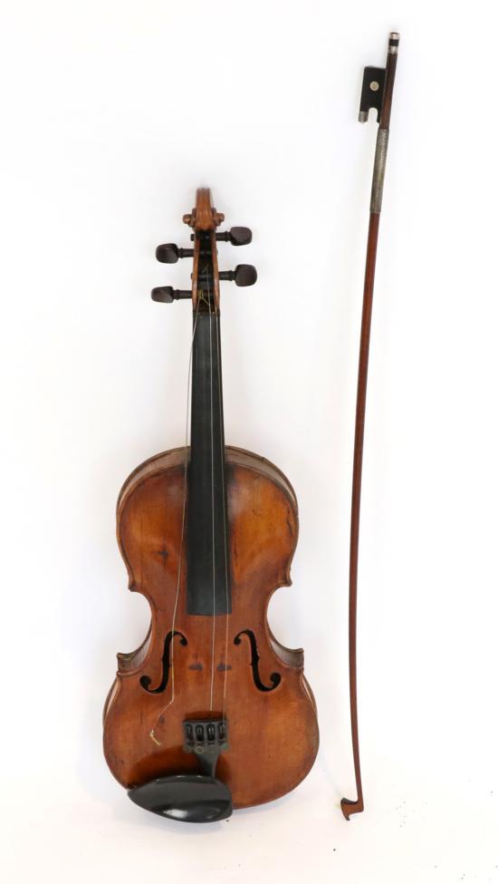 Tennants Auctioneers: Violin