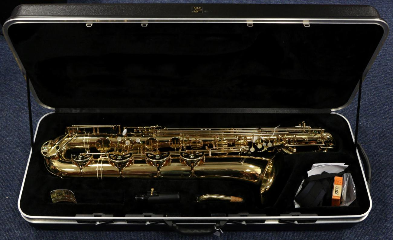 Tennants Auctioneers: Elkhart DeLuxe Baritone Saxophone